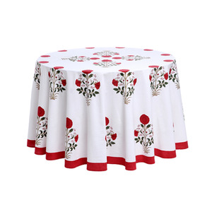 Playful yet polished, this tablecloth could be dressed up or down depending on the party's mood. (robertarollerrabbit.com)