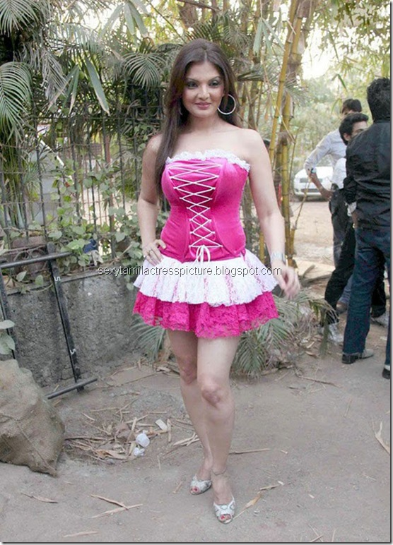 actress_deepshikha_in_hot_dress_01