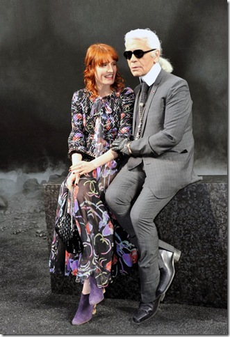 Florence Welch Karl Lagerfeld Poses Chanel AUNQtWWmoOBl