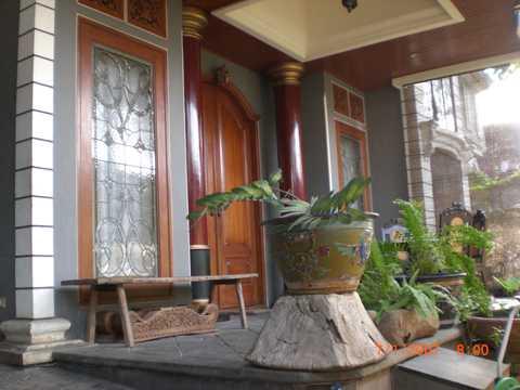 desain teras rumah minimalis 2 lantai