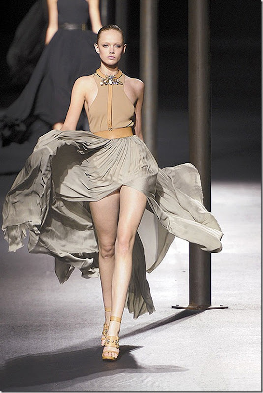 Lanvin-SPRING-2011-RTW-PODIUM-001_runway