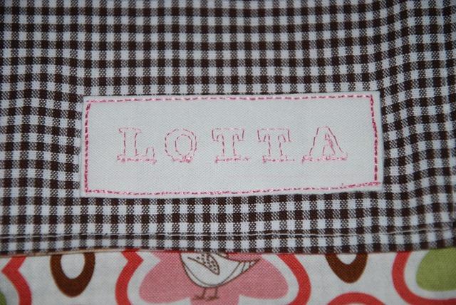 Lotta Swaddling Blanket3