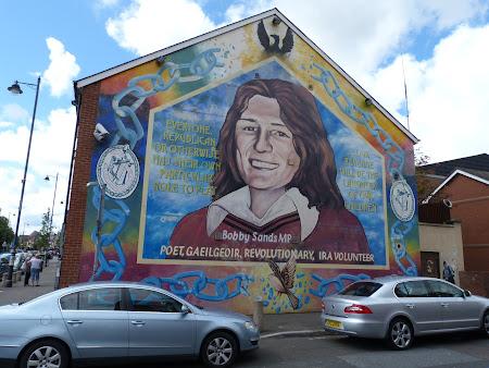 Obiective turistice Belfast: pictura murala cu Bobby Sands pe sediul Sinn Fein