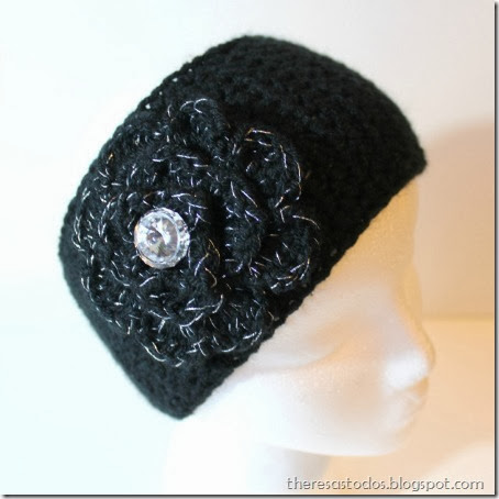 Black Earwarer Silver and Black Flower