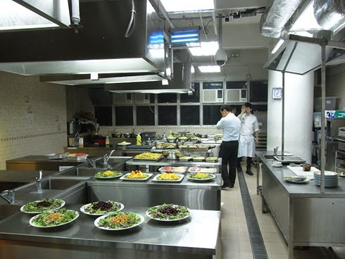 800px-North_Point_33_Marble_Road_Hong_Kong_Chef_School_香港廚師學校_Western_kitchen_interior_HK_20120609