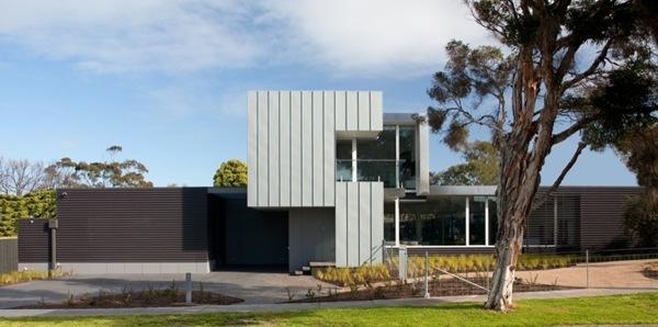fachada-zinc-Casa-Tranvía-Vibe-Design-Group