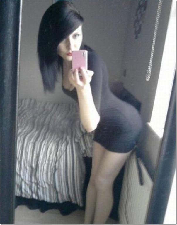 Garotas em vestidos apertados (34)