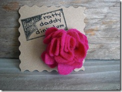 pink felt flower pin