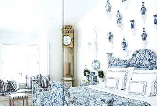Delft porcelains adorn the wall in the master suite.