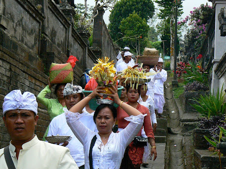 Bali traditions: the ceremony