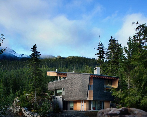 whistler residence by battersbyhowat architects 8