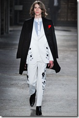 Alexander McQueen Menswear Spring Summer 2012 Collection Photo 31