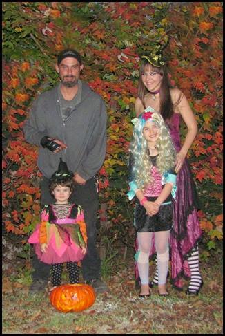 famly halloween 2