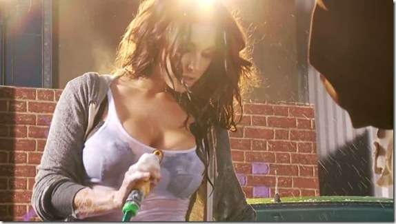 Lucy-Pinder-sexy-wet-Linx-Dry-7