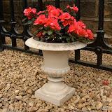 Mała waza metalowa, biała, P685, wys 32cm, śr 30cm