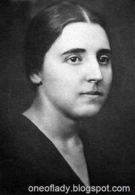 Nadezhda_Sergeyevna_Alliluyeva_(1901–1932)