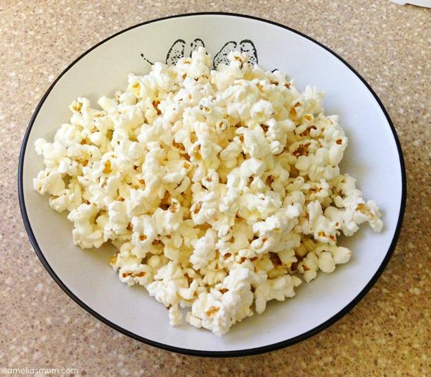 Healthy Microwave Popcorn @ SameliasMum