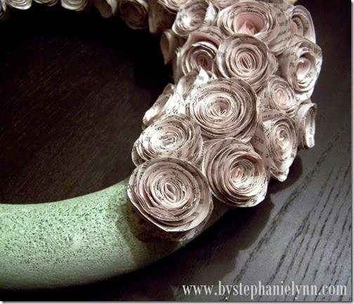 lazos y flores con papel periodico (8)