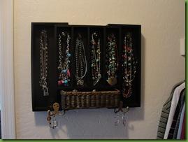 6.11.11 Jewelry Holder