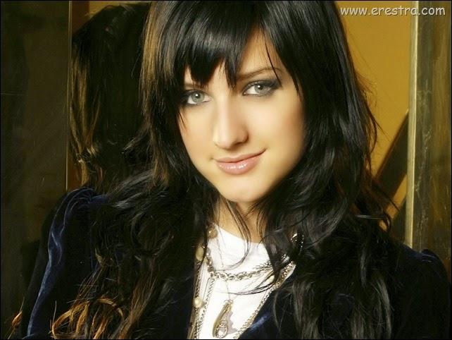 Ashlee Simpson06.