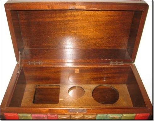 bookshelves_that_hold_hidden_secrets_640_05
