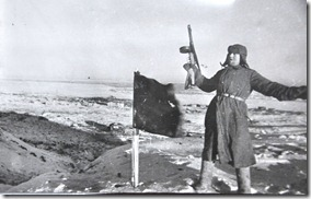 032-MO-mamaiev kourgan-prise du sommet de la colline 102