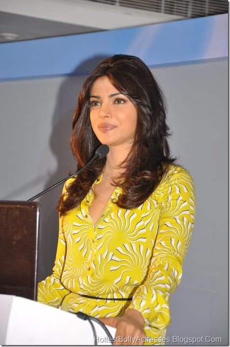 Priyanka Chopra Sexy Pics in Yellow Dress 4