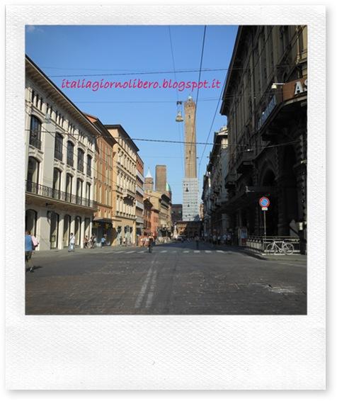 IGL Bologna centro, le due torri, via Rizzoli