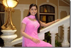 navya_nair_in_rose_churidhar