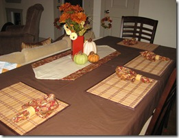 1 yd table runner &amp; napkins
