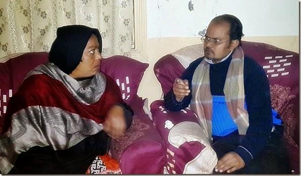 Tareeza Yousaf speaking with Shamim Masih