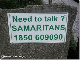 Placa de ajuda aos  potenciais suicidas