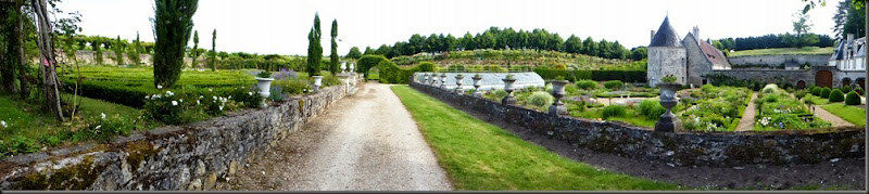 John\'s Basically Boring Bicycling Blog: French Gardens 02: Azay-le ...