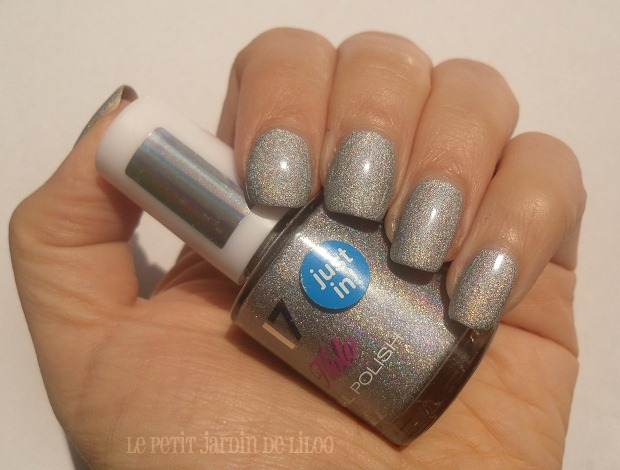 05-17-cosmetics-holo-silver-nail-polish-review-swatch