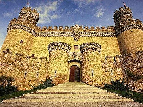Замок_Мансанарес-эль-Реал_Мадрид