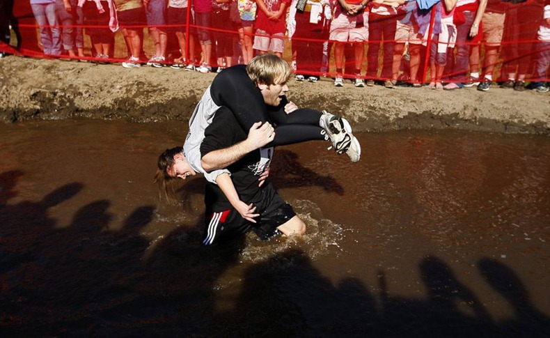 wife-carrying-chamionship-8