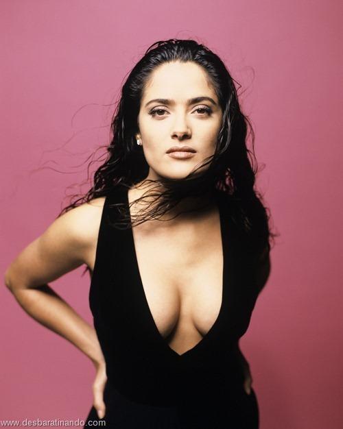 salma hayek linda sensual sexy sedutora gostosa peituda boob tits desbaratinando  (26)