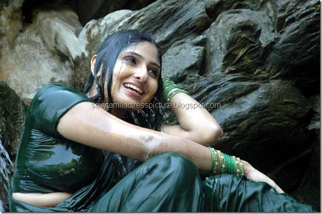 Actress_Monica_Hot_in_Wet_Dress_01
