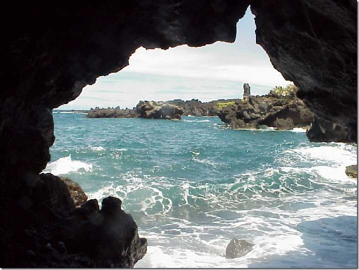 Looking_through_the_sea_cave_entrance