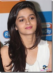 Alia-Bhatt-in-white-top