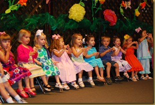 g 2 year old school play (23)