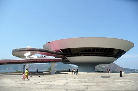 03. Museo de Arte Contemporáneo (Niteroi, Brasil)