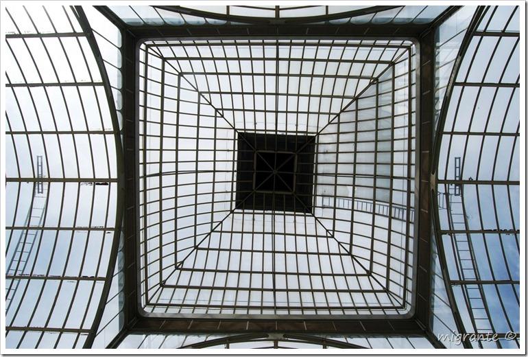 palacio de cristal - parque del retiro - madrid - hacia arriba