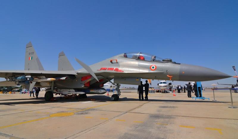 20140126-Sukhoi-Su-30-MKI-Indian-Air-Force-08-R
