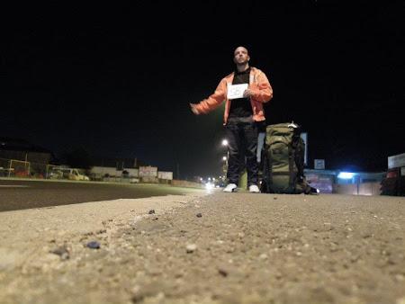 Bogdan Dascalescu cu autostopul dupa Aurora Boreala