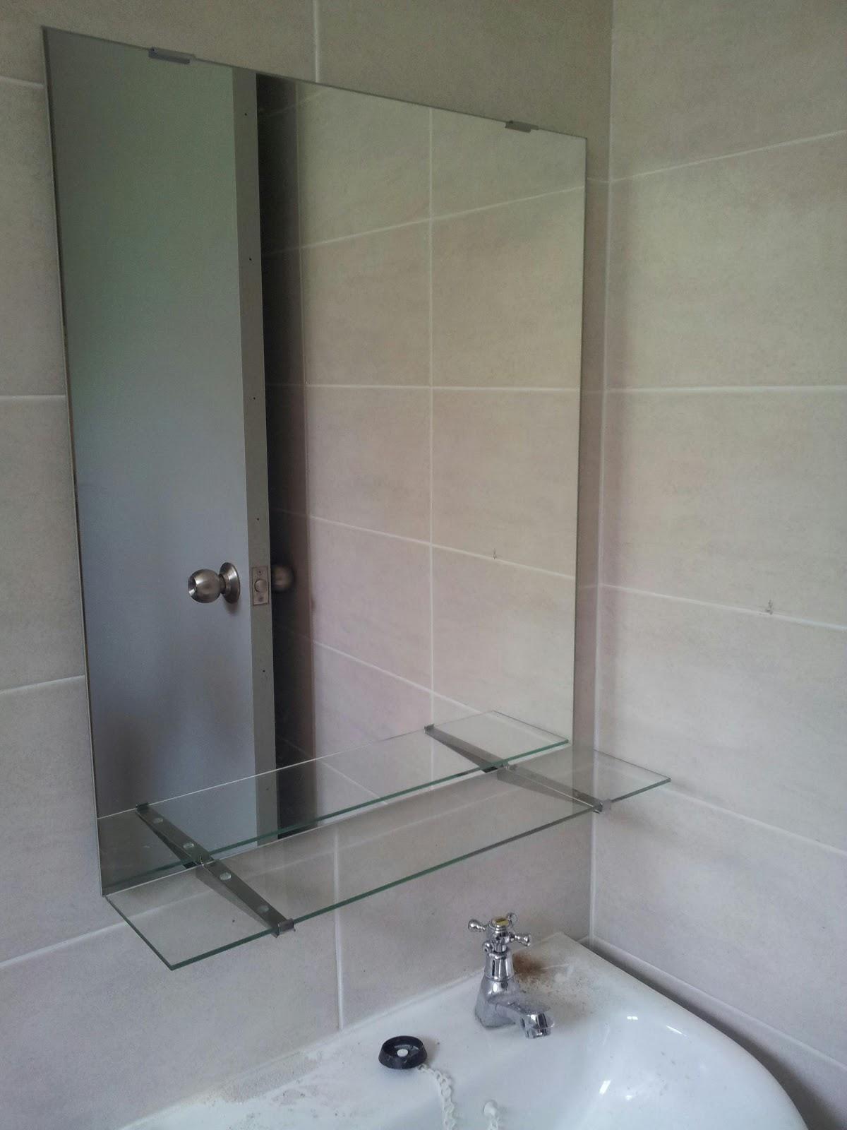 Baru belajar aksesori toilet untuk rumah kami for Miroir kolja