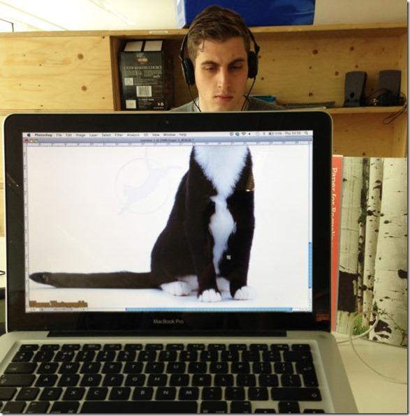 photobomb-coworkers-animal-3