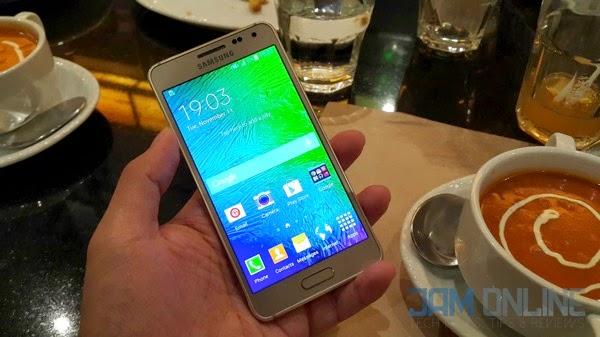 Samsung Galaxy Alpha front