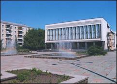 Районний будинок культури міста Ківерці.