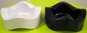 Helit Sinus ashtray, white and black (Eagle imprint)